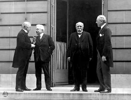 27th May 1919 - Hotel Crillon, Paris, for the Versailles Treaty - Lloyd George, Vittorio Orlando, Georges Clemenceau, Woodrow Wilson @ Versailles (note the body language)
